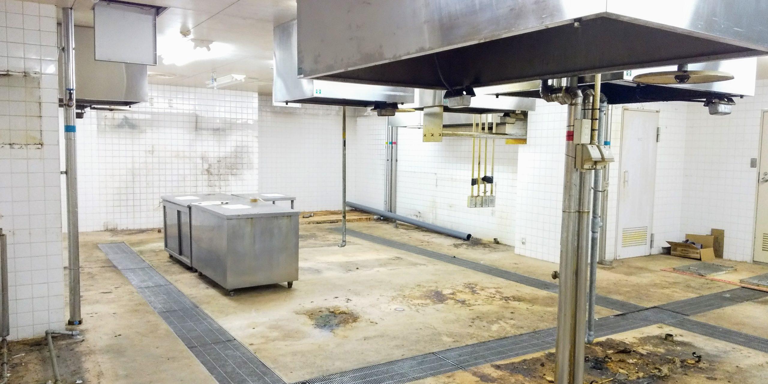 松山市からの業務委託、廃棄物撤去作業