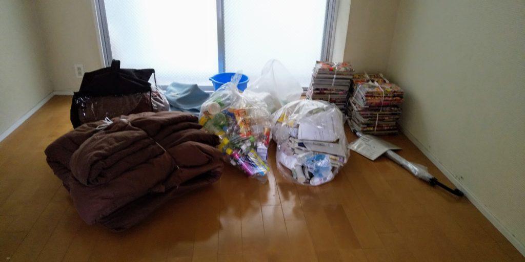 部屋に放置されたゴミ